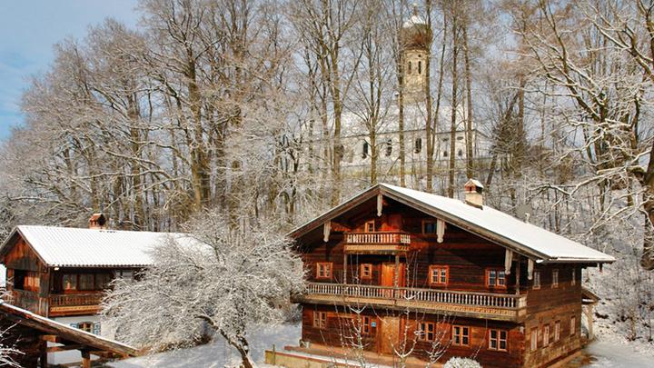 hamlet-winter